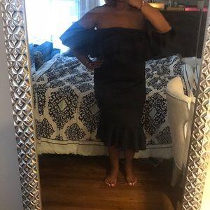 🔥🔥 NWOT Boohoo Plus Black Ruffle Dress!